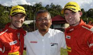 Mike Young with Cusco Team Manager Takuya Sugimura
